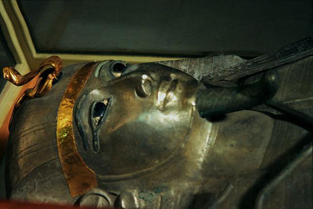 Το μυστήριο του Ασημένιου Φαραώ2