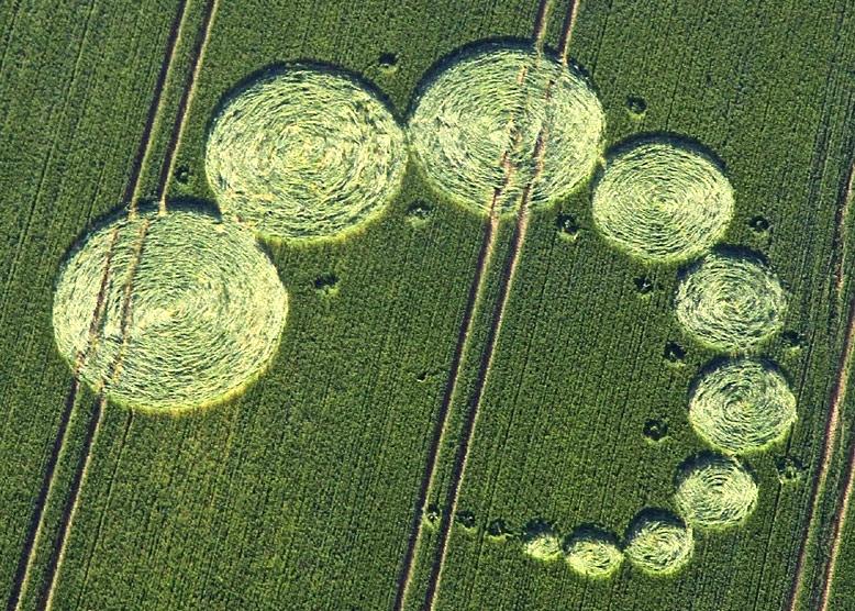 Crop Circle at Hilcott, Wiltshire UK, 16 July 2013